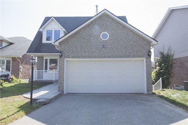 15 W Upland Dr, Whitby, ON L1N 8H9 (#E3936120) :: Beg Brothers Real Estate