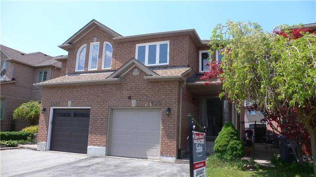 3935 Honey Locust Tr, Mississauga, ON L5N 6X4 (#W4136658) :: Beg Brothers Real Estate
