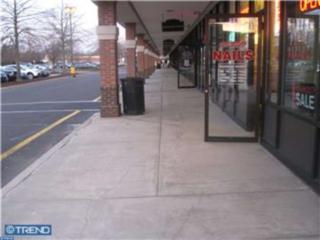 957 Route 33, Hamilton, NJ 08690 (MLS #6916844) :: The Dekanski Home Selling Team