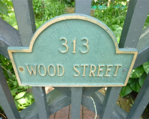 313 Wood Street, Burlington, NJ 08016 (MLS #6982796) :: The Dekanski Home Selling Team