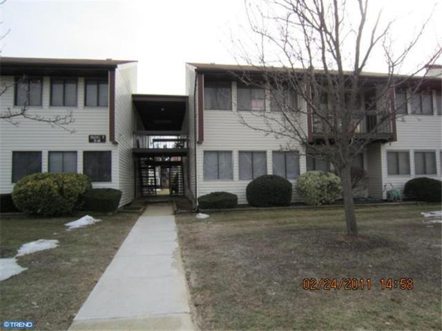 F-20 Avon Drive, East Windsor, NJ 08520 (MLS #7015923) :: The Dekanski Home Selling Team