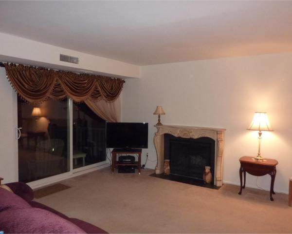 471 Old Forge Crossing, Devon, PA 19333 (#7101705) :: The John Collins Team