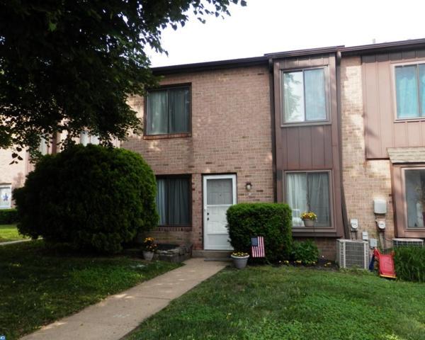 5200 Hilltop Drive H3, Brookhaven, PA 19015 (#7192396) :: Erik Hoferer & Associates