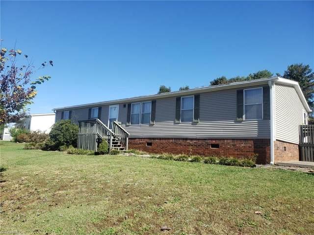 112 Rivergreen Drive, Statesville, NC 28625 (#000837) :: Mossy Oak Properties Land and Luxury