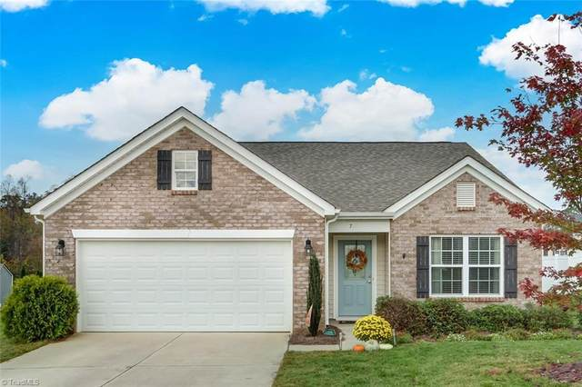 706 Traveller Drive, Whitsett, NC 27377 (MLS #001252) :: Lewis & Clark, Realtors®