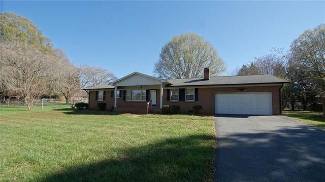 5187 Sedge Brook Road, Kernersville, NC 27284 (MLS #002938) :: Greta Frye & Associates | KW Realty Elite