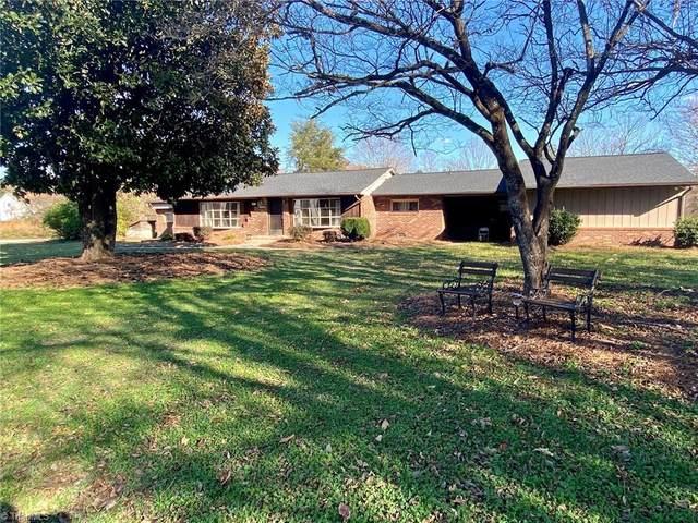 7549 Sunnyvale Drive, High Point, NC 27265 (MLS #002973) :: Berkshire Hathaway HomeServices Carolinas Realty