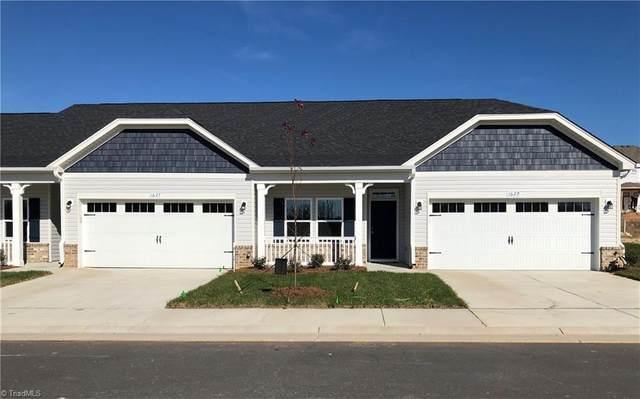 1622 Coopers Hawk Drive, Kernersville, NC 27284 (MLS #003088) :: Lewis & Clark, Realtors®