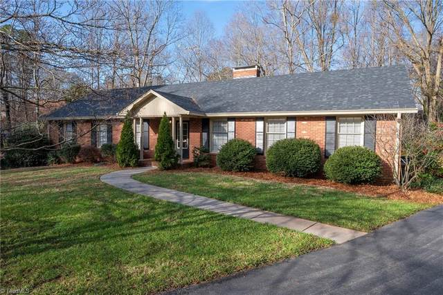 3041 Saint Claire Road, Winston Salem, NC 27106 (MLS #1007163) :: Berkshire Hathaway HomeServices Carolinas Realty