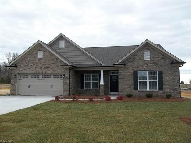 414 Freemont Drive, Thomasville, NC 27360 (MLS #1009225) :: Team Nicholson