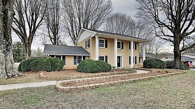1700 Turfwood Drive, Pfafftown, NC 27040 (#1009306) :: Premier Realty NC