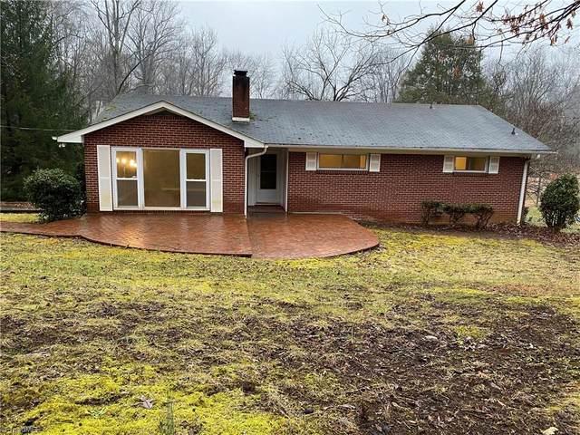 4636 Old Town Drive, Winston Salem, NC 27106 (#1010745) :: Premier Realty NC