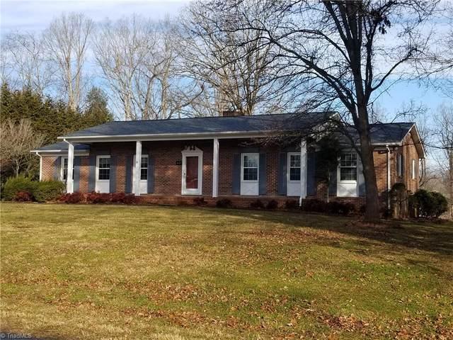 407 Forest Oaks Drive, Dobson, NC 27017 (MLS #1011894) :: Greta Frye & Associates | KW Realty Elite