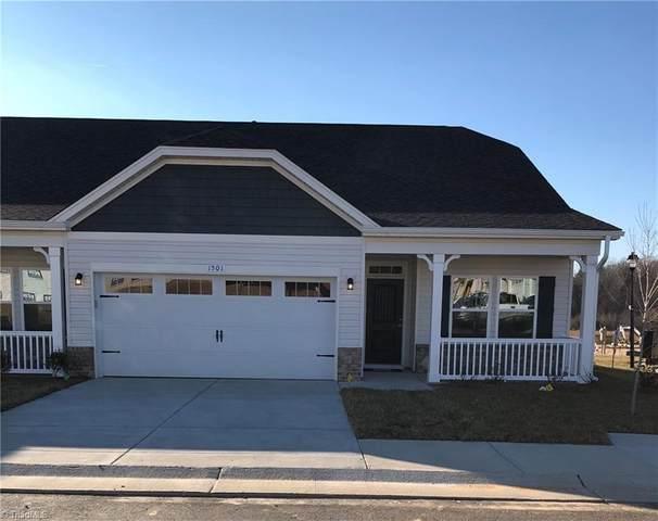 1402 Hunting Hawk Lane, Kernersville, NC 27284 (MLS #1014679) :: Ward & Ward Properties, LLC