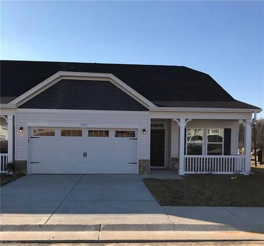 1406 Hunting Hawk Lane, Kernersville, NC 27284 (MLS #1014685) :: Ward & Ward Properties, LLC
