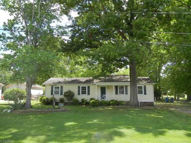 8202 Mapleway Lane, Greensboro, NC 27455 (MLS #1022487) :: Team Nicholson