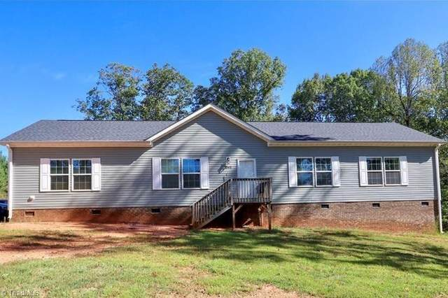 1848 Liberty Church Road, Yadkinville, NC 27055 (MLS #1023174) :: Berkshire Hathaway HomeServices Carolinas Realty