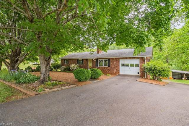 1508 Falcon Road, East Bend, NC 27018 (MLS #1023520) :: Berkshire Hathaway HomeServices Carolinas Realty