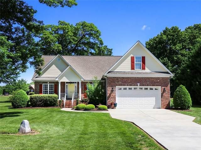 3005 Pearson Farm Drive, Browns Summit, NC 27214 (MLS #1023636) :: Lewis & Clark, Realtors®