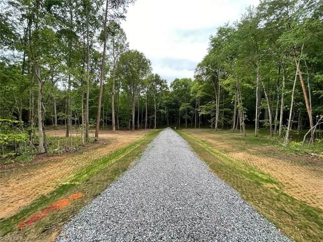 121 Oak Grove Trail, Winston Salem, NC 27107 (MLS #1023656) :: Lewis & Clark, Realtors®