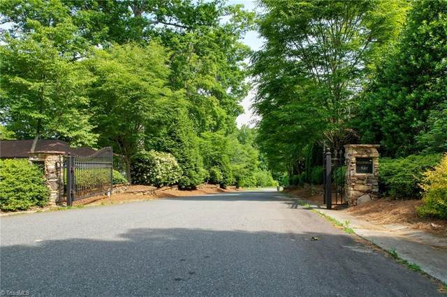 670 Willowbrook Lane, Winston Salem, NC 27104 (MLS #1025960) :: Greta Frye & Associates | KW Realty Elite