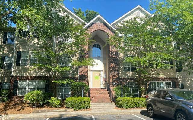132 Ivy Glen Court, Winston Salem, NC 27127 (MLS #1025988) :: Berkshire Hathaway HomeServices Carolinas Realty