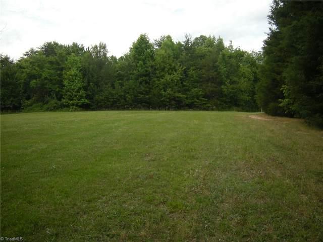 5015 Oak Garden Drive, Kernersville, NC 27284 (MLS #1026255) :: Lewis & Clark, Realtors®