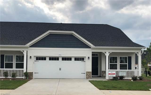 1642 Coopers Hawk Drive, Kernersville, NC 27284 (MLS #1026599) :: Ward & Ward Properties, LLC