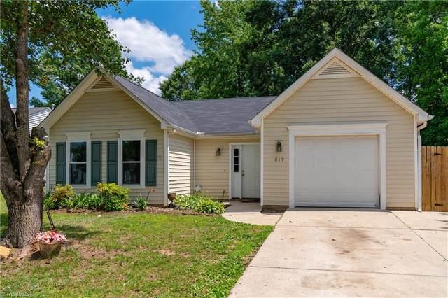 819 Blazingwood Drive, Greensboro, NC 27406 (MLS #1026978) :: Team Nicholson
