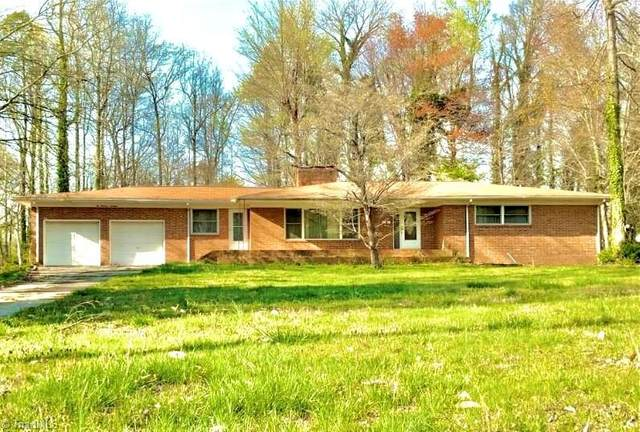 214 Pineridge Drive, High Point, NC 27262 (MLS #1027098) :: Berkshire Hathaway HomeServices Carolinas Realty