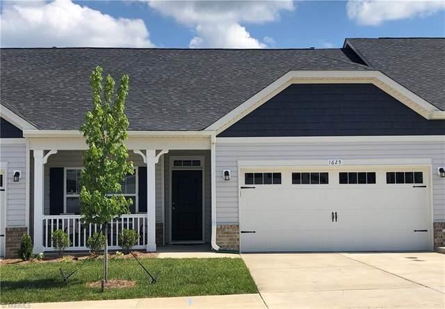 1646 Coopers Hawk Drive, Kernersville, NC 27284 (MLS #1027302) :: Ward & Ward Properties, LLC