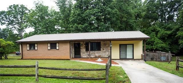 1104 Forest Lane, Thomasville, NC 27360 (MLS #1027589) :: Berkshire Hathaway HomeServices Carolinas Realty