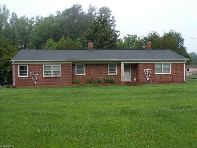 5812 Kings Court, Pleasant Garden, NC 27313 (MLS #1027998) :: Berkshire Hathaway HomeServices Carolinas Realty