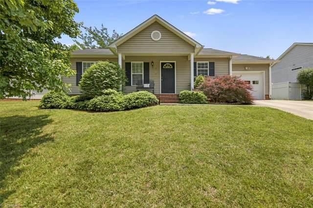 1622 Hawkcrest Lane, Winston Salem, NC 27127 (MLS #1028167) :: Berkshire Hathaway HomeServices Carolinas Realty