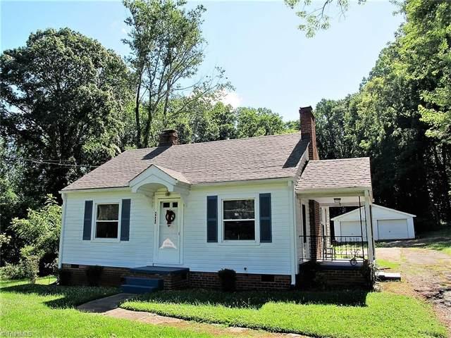 4493 Ogburn Avenue, Winston Salem, NC 27106 (MLS #1028794) :: Greta Frye & Associates   KW Realty Elite
