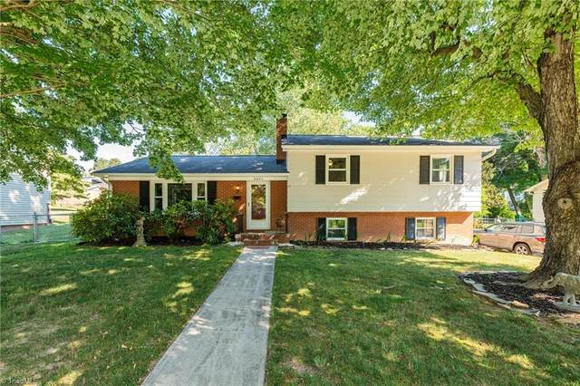 2851 Deerwood Drive, Winston Salem, NC 27103 (MLS #1030099) :: Greta Frye & Associates   KW Realty Elite