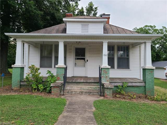 700 Thomas Street, Reidsville, NC 27320 (#1030326) :: Rachel Kendall Team