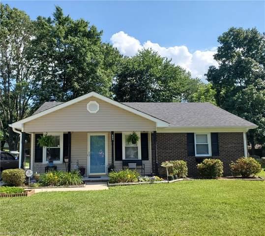 605 Pine Ridge Drive, Greensboro, NC 27410 (MLS #1030869) :: Lewis & Clark, Realtors®