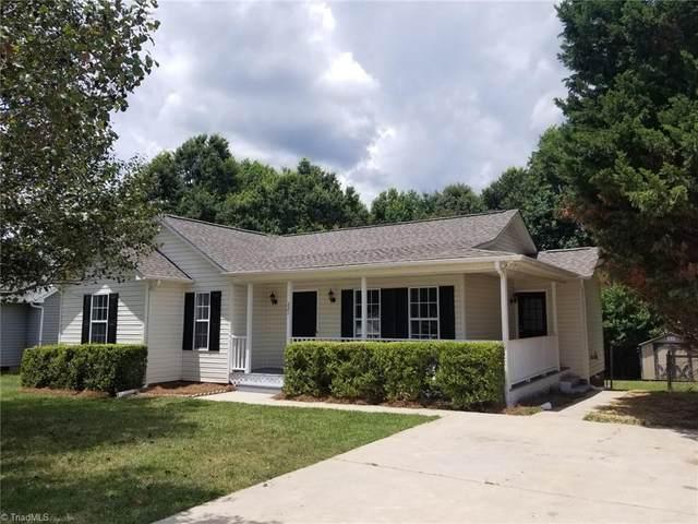 221 Bell Drive, Thomasville, NC 27360 (MLS #1031723) :: Ward & Ward Properties, LLC