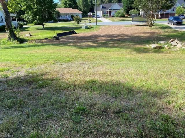 3873 Crusade Drive, Winston Salem, NC 27101 (MLS #1032310) :: EXIT Realty Preferred