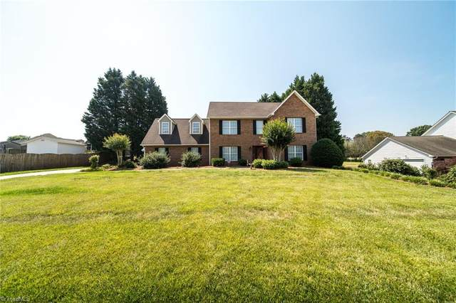 6016 Aaron Place Lane, Kernersville, NC 27284 (MLS #1032425) :: Ward & Ward Properties, LLC