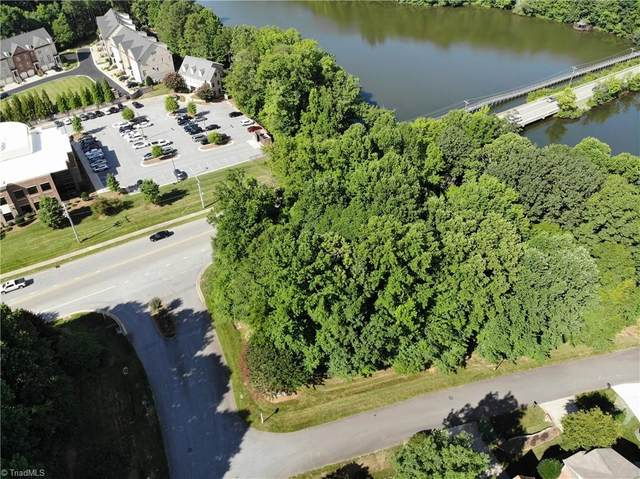 3 Canvasback Point, Greensboro, NC 27455 (#1033465) :: Mossy Oak Properties Land and Luxury