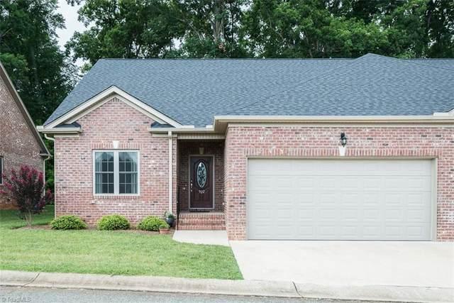 922 Arrowhead Lane, Mebane, NC 27302 (MLS #1033517) :: Ward & Ward Properties, LLC