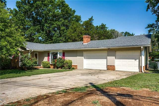 1112 Black Road, Thomasville, NC 27360 (MLS #1033519) :: Ward & Ward Properties, LLC