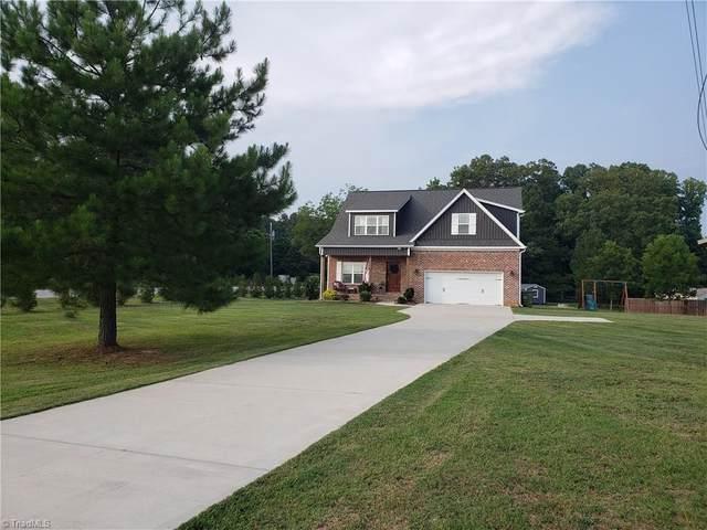 121 Wallburg Fields Lane, Winston Salem, NC 27107 (MLS #1033984) :: Team Nicholson
