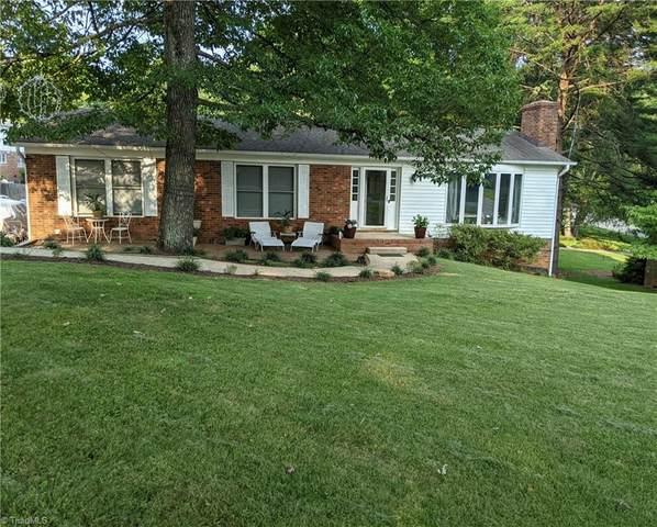 1002 Wakefield Drive, Greensboro, NC 27410 (MLS #1036330) :: Ward & Ward Properties, LLC