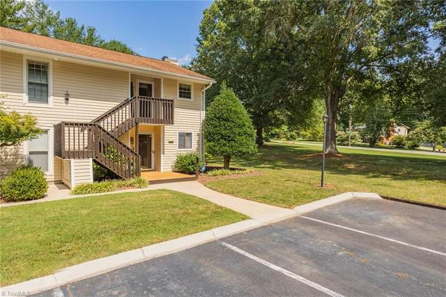 213 Driftwood Lane, Winston Salem, NC 27104 (MLS #1036653) :: Hillcrest Realty Group