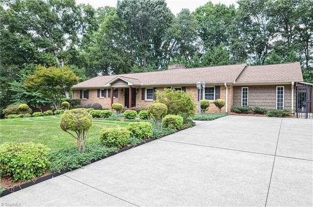 411 Hearthside Drive, Winston Salem, NC 27104 (#1037190) :: Premier Realty NC