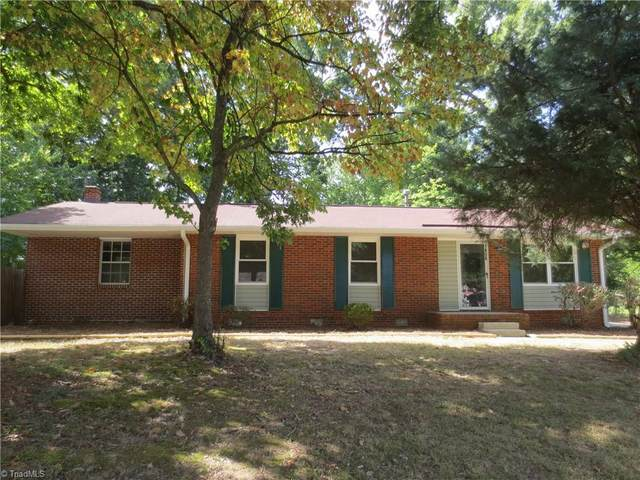 1456 Kingsway Drive, High Point, NC 27260 (MLS #1040983) :: Ward & Ward Properties, LLC