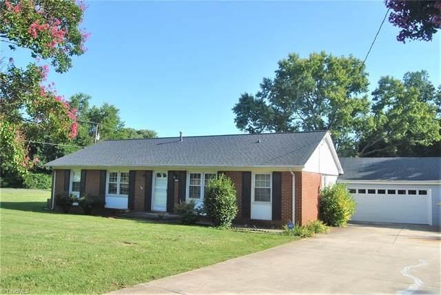 5721 Friendswood Drive, Greensboro, NC 27409 (MLS #1041211) :: Ward & Ward Properties, LLC